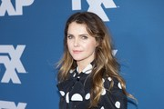 Keri Russell wore her hair in messy waves at the 2018 Winter TCA Tour.