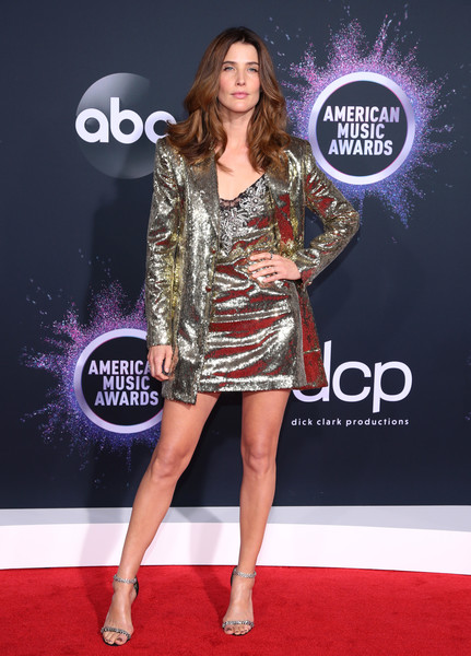 More Pics of Cobie Smulders Sequined Jacket (5 of 6) - Outerwear Lookbook - StyleBistro [red carpet,clothing,carpet,dress,fashion,fashion model,cocktail dress,premiere,flooring,leg,arrivals,cobie smulders,american music awards,microsoft theater,los angeles,california]