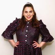 Beanie Feldstein complemented her shimmering dress with metallic nail polish for the 2019 Glamour Women of the Year Summit.