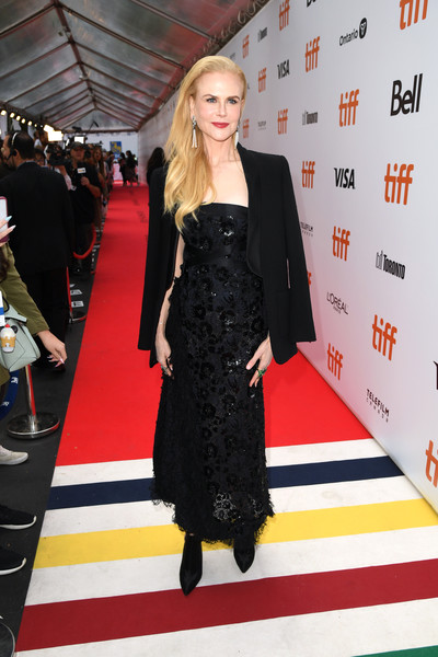 Nicole Kidman arrived for the TIFF premiere of 'The Goldfinch' wearing a black blazer over a strapless dress.