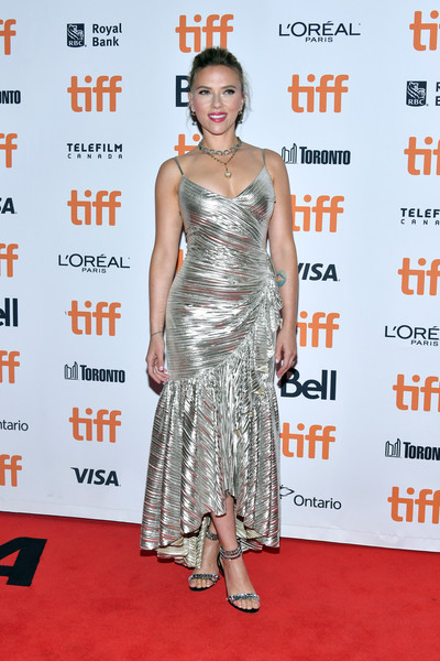 Scarlett Johansson kept the sparkle going with a pair of bejeweled strappy sandals by  Aquazzura.
