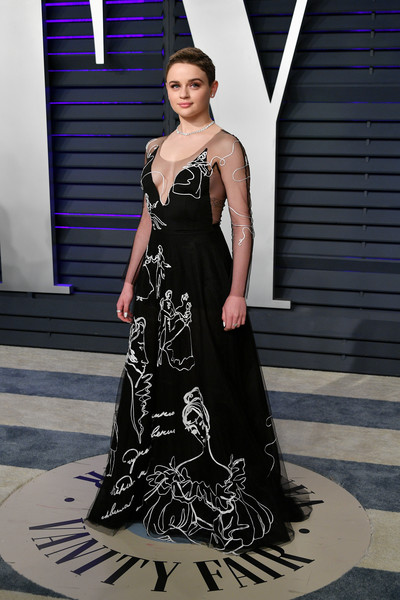 More Pics of Joey King Embroidered Dress (1 of 4) - Joey King Lookbook - StyleBistro [oscar party,vanity fair,fashion model,dress,clothing,gown,fashion,shoulder,haute couture,formal wear,lady,beauty,beverly hills,california,wallis annenberg center for the performing arts,radhika jones - arrivals,radhika jones,joey king]