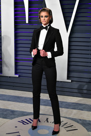 Taylor Hill went for an androgynous vibe in a black Ralph Lauren tuxedo at the 2019 Vanity Fair Oscar party.