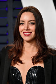 Aubrey Plaza looked lovely with her center-parted 'do at the 2019 Vanity Fair Oscar party.