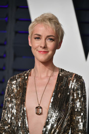 Jena Malone made a luxurious statement with her oversized Beladora pendant necklace at the 2019 Vanity Fair Oscar party.
