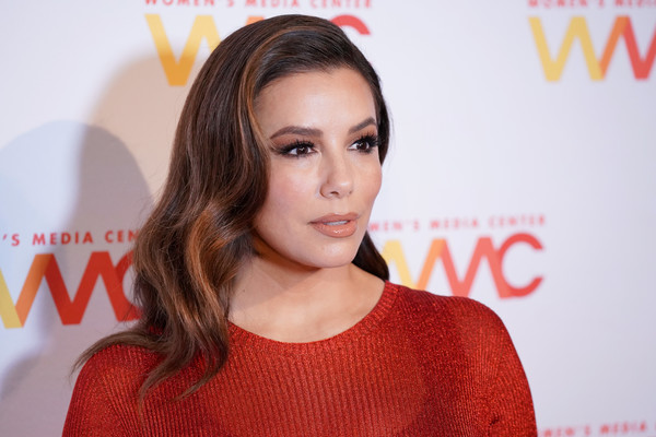 Eva Longoria looked gorgeous with her shoulder-length waves at the 2019 Women's Media Awards.