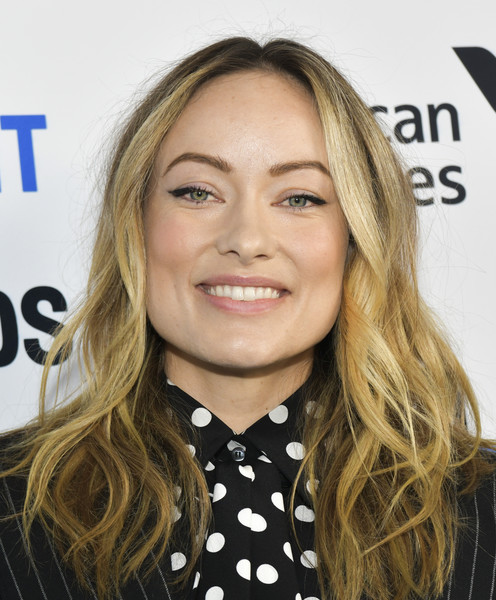 Olivia Wilde wore her hair in messy-chic waves at the 2020 Film Independent Spirit Awards nominees brunch.