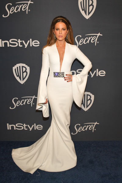 Kate Beckinsale turned heads in a deep-V white fishtail gown by Romona Keveza at the Warner Bros. and InStyle Golden Globes after-party.