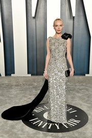Kate Bosworth looked downright regal in a beaded silver Ralph & Russo Couture column dress with a long black velvet train at the 2020 Vanity Fair Oscar party.