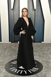 Olivia Wilde looked effortlessly chic in a black wide-leg jumpsuit by Fendi Couture at the 2020 Vanity Fair Oscar party.