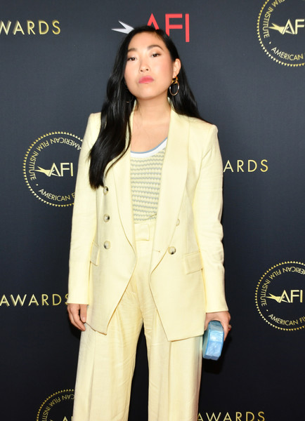 More Pics of Awkwafina Long Wavy Cut (1 of 6) - Awkwafina Lookbook - StyleBistro [suit,clothing,formal wear,pantsuit,fashion,yellow,outerwear,blazer,tuxedo,fashion design,arrivals,awkwafina,los angeles,four seasons hotel,california,beverly hills,afi awards,awkwafina,american film institute awards 2019,tuxedo,celebrity,pantsuit,fashion,american film institute,socialite,yellow,tuxedo m.]