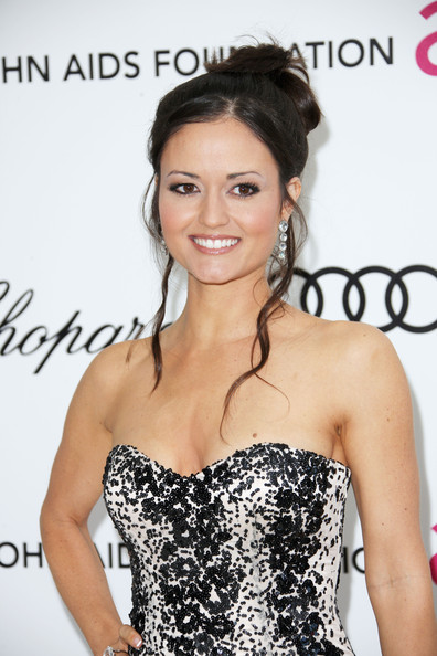 More Pics of Danica McKellar Dangling Diamond Earrings (1 of 3) - Danica McKellar Lookbook - StyleBistro