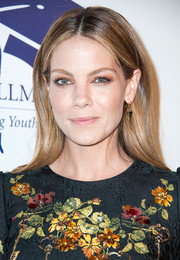Michelle Monaghan sealed off her look with a pair of inverted-pyramid earrings.