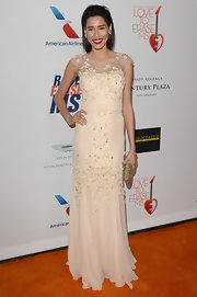 Rebecca Da Costa looked lovely in a cream evening gown that featured floral embellishments all over.