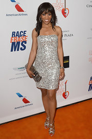 Shaun Robinson sparkled in this strapless beaded dress.