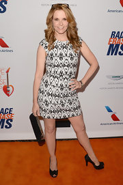 Lea Thompson rocked a black-and-white tribal-print dress at the Love to Erase MS red carpet.