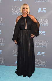Mary J. Blige looked every bit the glamorous diva in a draped black cold-shoulder gown by J. Mendel at the Critics' Choice Awards.