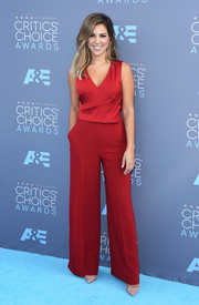 Liz Hernandez opted for sleeveless red jumpsuit by Karen Millen when she attended the Critics' Choice Awards.