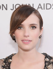 Emma Roberts topped off her Oscar-party look with a pair of 18k rose gold earrings with diamonds.