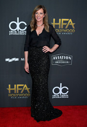 Allison Janney glammed up her casual top with a beaded maxi skirt by Rani Zakhem Couture.
