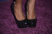 Shanola Hampton chose black platform pumps for her evening look at 'A Night at Sardi's.'