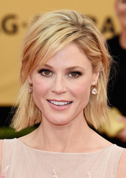 Julie Bowen wore her short locks in a messy-edgy style during the SAG Awards.