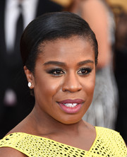 Uzo Aduba slicked her hair back into a neat chignon for the SAG Awards.