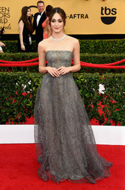 Emmy Rossum looked absolutely magical in a Swarovski crystal-studded strapless gown by Armani Prive during the SAG Awards.