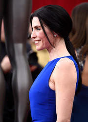 Julianna Margulies styled her raven tresses into a low ponytail for the SAG Awards.