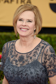 JoBeth Williams rocked a chic bob at the 2015 SAG Awards.