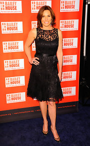 Attending the 23rd Annual Bailey House Auction in NYC, LuAnn looked effortlessly chic in this ladylike black lace frock.