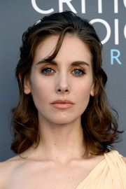 Alison Brie kept it sweet and youthful with these half-up curls at the 2018 Critics' Choice Awards.