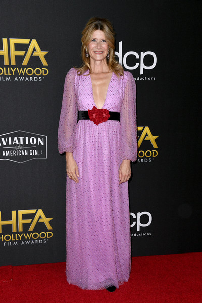 Laura Dern charmed in a beaded pink Markarian gown with a deep-V neckline and a contrast waistband at the 2019 Hollywood Film Awards.