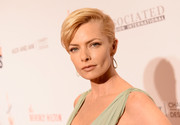 Jaime Pressly wore her short hair with lots of volume at the top and slicked back at the side during the Race to Erase MS Gala.