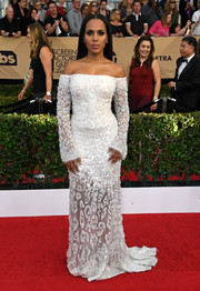 Kerry Washington looked altar-ready in a Swarovski-beaded off-the-shoulder gown by Roberto Cavalli Couture at the SAG Awards.