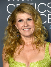 Connie Britton looked gorgeous with her teased curls at the 2019 Critics' Choice Awards.