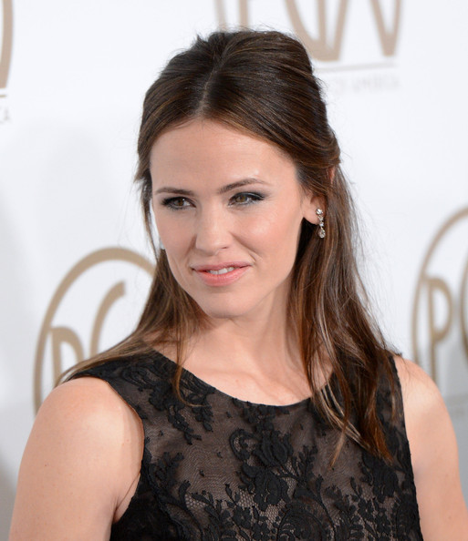 More Pics of Jennifer Garner Little Black Dress (1 of 15) - Jennifer Garner Lookbook - StyleBistro