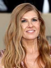 Connie Britton wore her hair in long, face-framing waves at the 2018 SAG Awards.