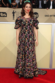 Maya Rudolph bloomed in a floral-embroidered gown by Zac Posen at the 2018 SAG Awards.