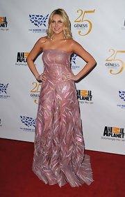 Stephanie sparkled at the Genesis Awards in a glittery pink strapless confection.