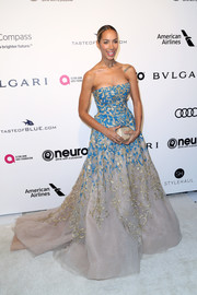 Leona Lewis polished off her gorgeous ensemble with a faceted crystal clutch by Atelier Swarovski.