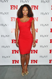Serena Williams is red hot in a gathered knit dress at the Annual Footwear News Achievement Awards.