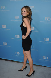 Ashley Jones topped off her look with black stilettos.