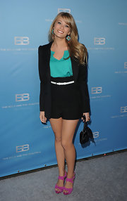 Kim Matula was definitely in style wearing this boyfriend blazer.