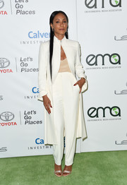 Jada Pinkett Smith brought her impeccable style to the EMA Awards with this white coat and pants combo.