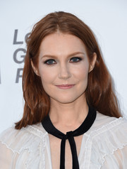 Darby Stanchfield wore her tresses in loose, subtle waves at the EMA Awards.