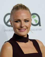Malin Akerman attended the EMA Awards sporting a classic bun.