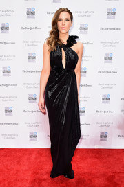Kate Beckinsale flashed a little cleavage in a black keyhole-cutout gown by Marchesa at the Gotham Independent Film Awards.