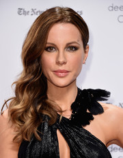 Kate Beckinsale got glammed up with this curly side sweep for the Gotham Independent Film Awards.