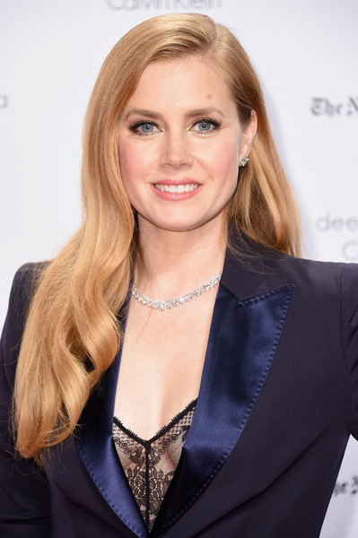 Amy Adams polished off her look with a gorgeous diamond tennis necklace by Harry Winston.